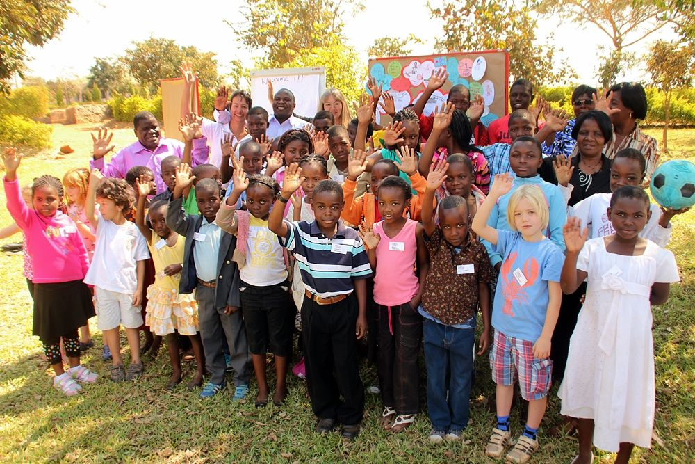 2013-08-MW-Children_awareness_event-Group_Photo